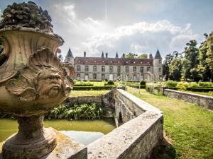 Façade nord extérieure du château de Beaulieu proche Provins