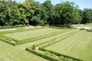 Jardins de Beaulieu côté douves